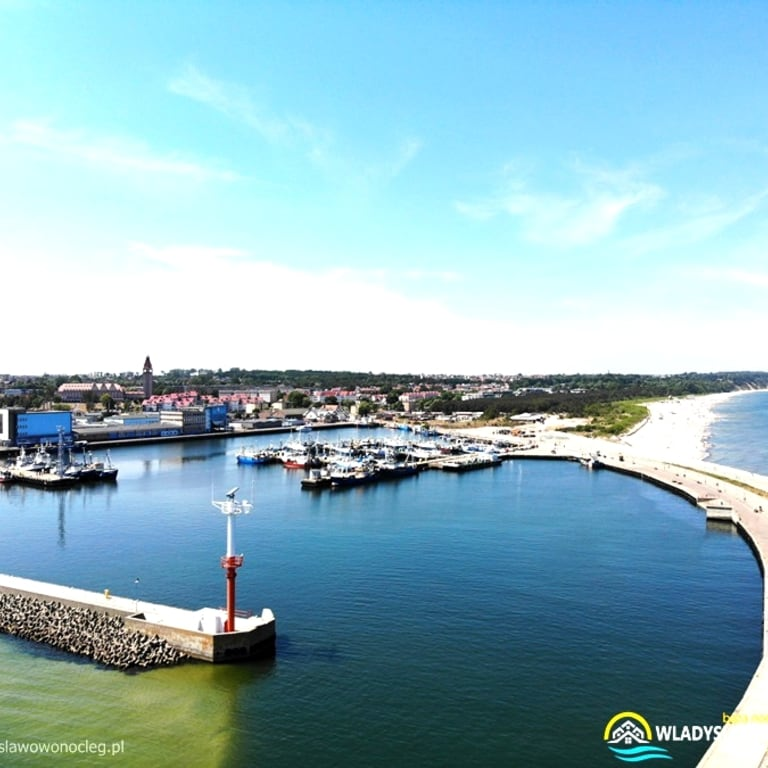 Władysławowo port https://wladyslawowonocleg.pl/userfiles/gallery/thumbs/1_1534002641.jpg